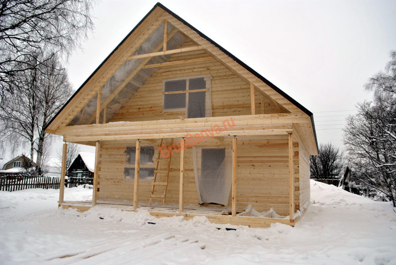 Построили прекрасный дом из бруса под усадку 8х10 по проекту №55