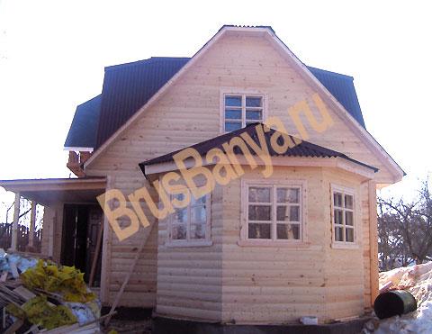 Построенные дома и бани из бруса